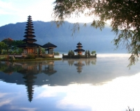 Optimized-Ulun Danu temple 2