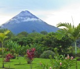 Arenal Volcano in wispy clouds - Lumle holidays