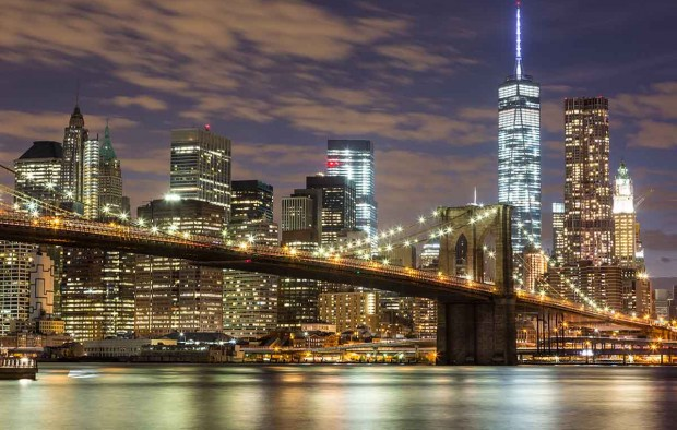 Brooklyn Bridge and Downtown Skyscrapers in New York - Lumle holidays