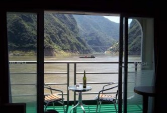 Enjoy Yangtze River Cruise