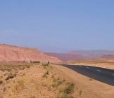 Road through desert - Lumle holidays