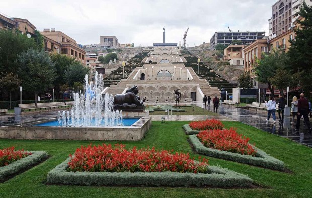 Square at Cascade complex in Yerevan - Lumle holidays