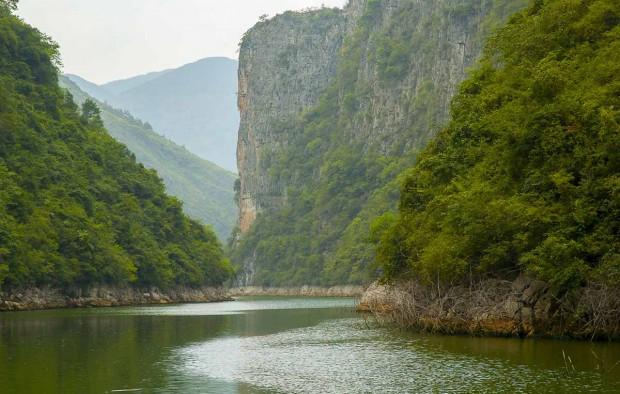 Three gorges, Yangtze river