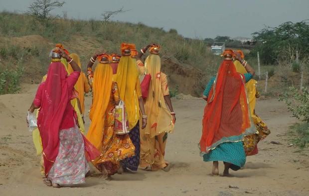 Traditional women in Rajasthan - Lumle holidays